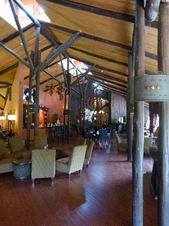 Fairmont Mara Safari Club: bar