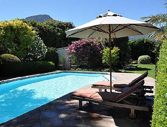 Avondrood Guest House: Relax and soak up the sun