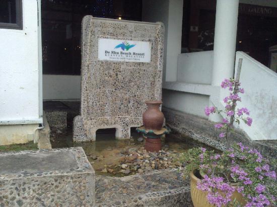 De Rhu Beach Resort: Fountain that is no longer working