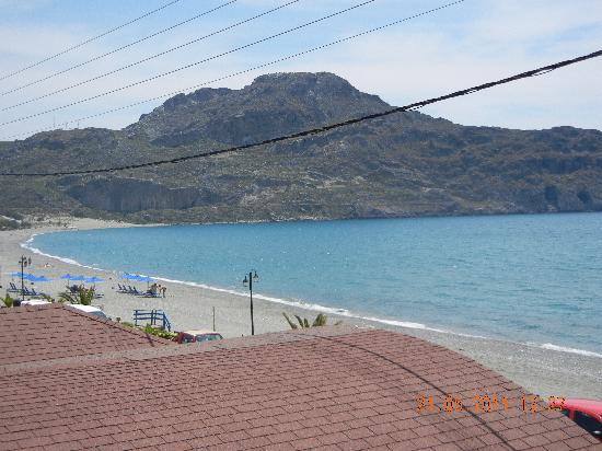 Lamon Hotel: beach
