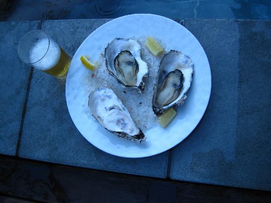 Arcana Izu: ルームサーヴィスの牡蠣、インクルーシヴのビール