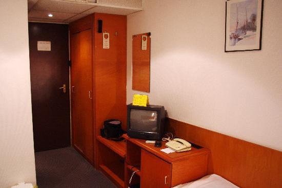Botel Hotel Lisa : Botel Lisa room 2