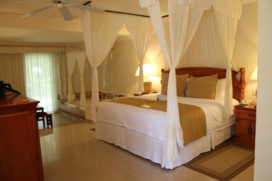 Sensimar Seaside Suites & Spa: romantic suite