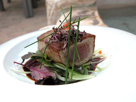 Restaurante Creative: solomillo de atún...