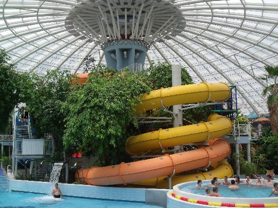 Aquaticum Debrecen Thermal and Wellness Hotel: mediteranean pools