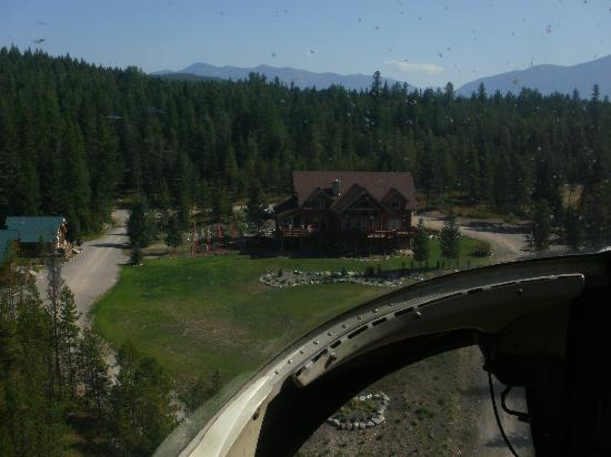 The Great Bear Inn: Returing to the Great Bear after our Helo tour