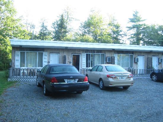 Twilite Motel: building in rear