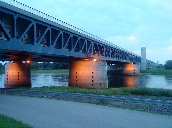 Das Wasserstrassenkreutz: Die Trogbrücke bei Magdeburg