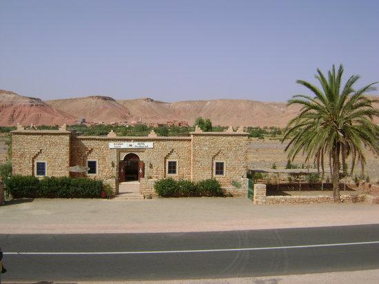 kasbah imini est un magnifique château de pierres,au coeur d'une très belle région aux paysages