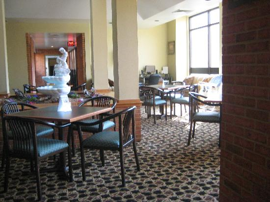 Comfort Inn Bluefield: lobby area