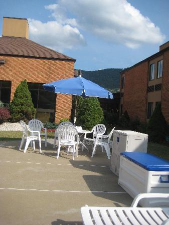 Comfort Inn Bluefield : pool area