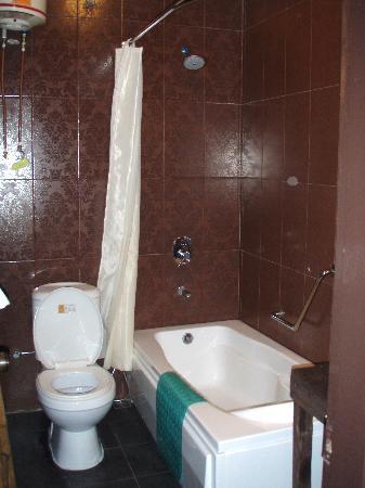 โรงแรมนาก: salle de bains