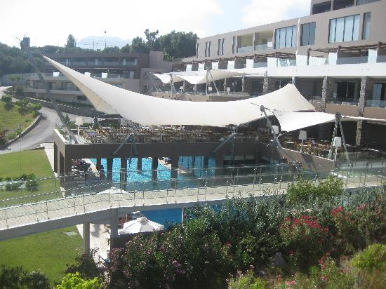 Makry-Gialos, Greece: ristorante e ,sotto,il centro benessere