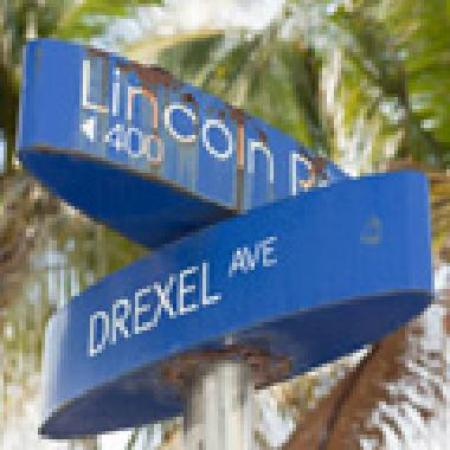 Lincoln Road street sign