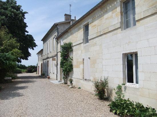 La Gomerie : Chateau Meylet exterior