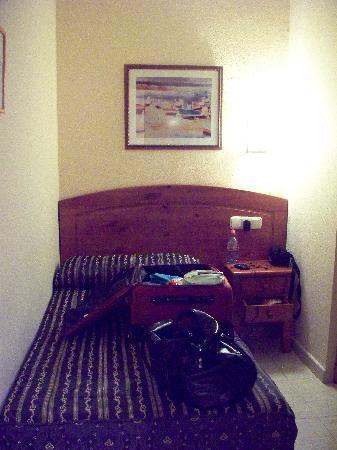 Hotel Castilla Guerrero: chambre