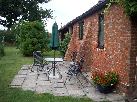 Ransley Barn Cottages : Mallard Cottage patio