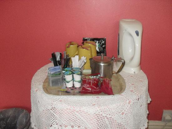 Beth Eden Christian Guest House: Welcome to the room, tea coffee and hotchocolate