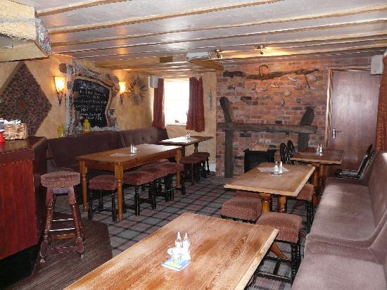 The Sun Inn: Inside the pub