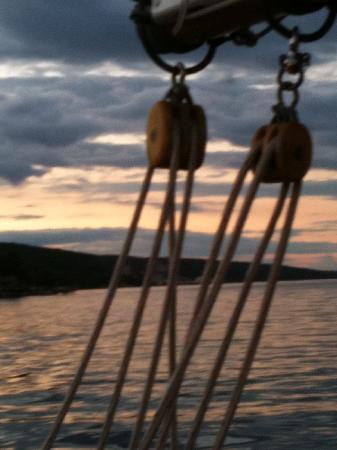 Schooner Excursions, Inc: Sunset through the rigging