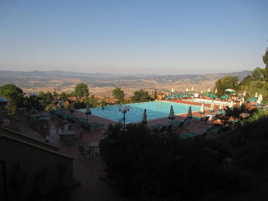Park Hotel le Fonti: Pool & Views