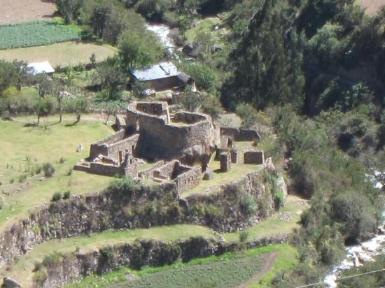 """Enigma: Llaqtapata, or """"Town on the Hillside"""" in Cachua"""