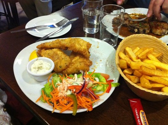 Cronins Restaurant: fish and chips