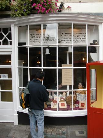Sally Lunn's Historic Eating House & Museum: fro the outside