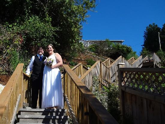 Beach Hideaway Bed and Breakfast & Spa: coming down the stairs for our ceremony