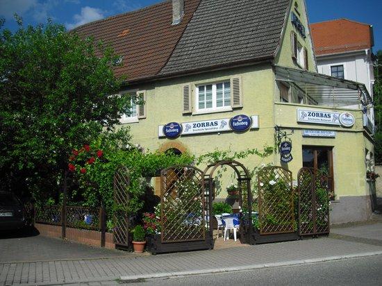 Sinsheim, Duitsland: Restaurant mit Biergarten