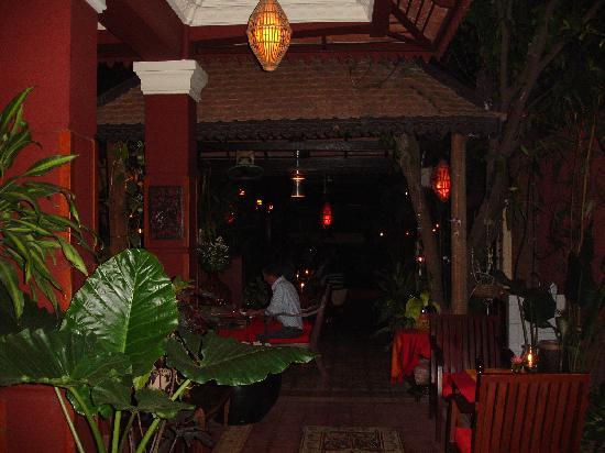 Juliana Hotel Phnom Penh: Khmer Surin Restaurant