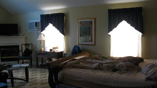 Kearsarge Inn: Room 9