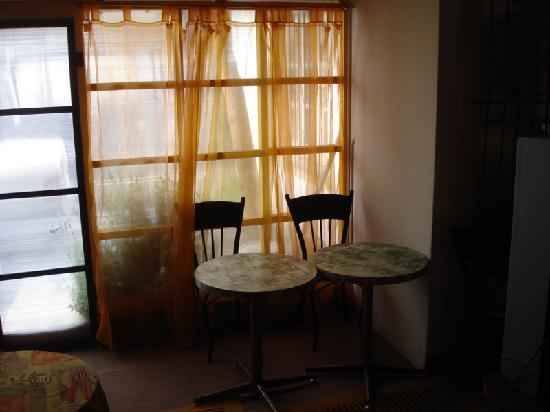 Hostal O'Higgins: Breakfast area