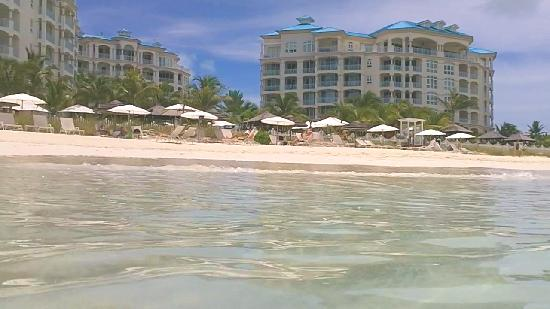 Seven Stars Resort & Spa: Hotel from the Beach