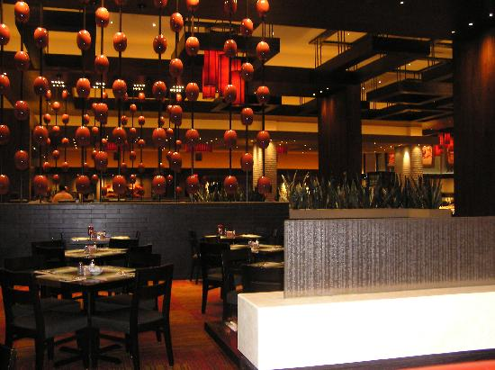 Aliante Casino + Hotel + Spa: Inside restaurant