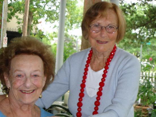 La Toscana di Carlotta: My mom Eva and Mama