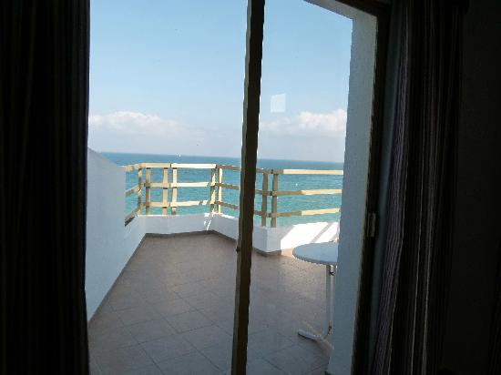 Sunday's Beach: La terraza desde la cama