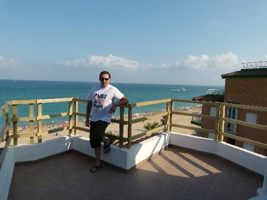 Sunday's Beach: Terraza vistas a la playa