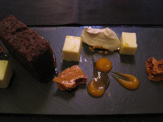 Farnley Tower : Carrot cake pud
