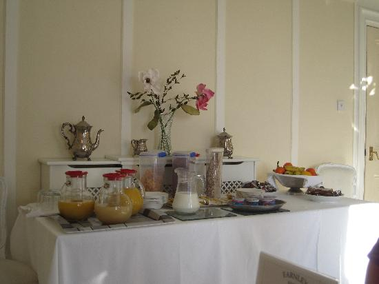 Farnley Tower: Breakfast buffet