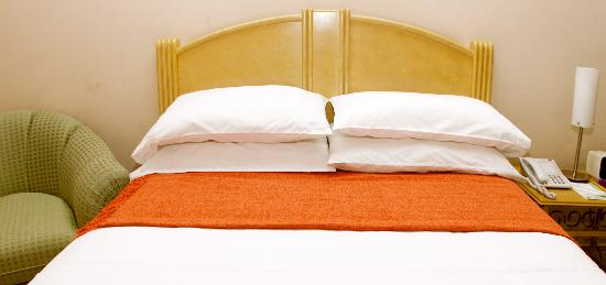 Hotel Lun Fun Manta: ROOM