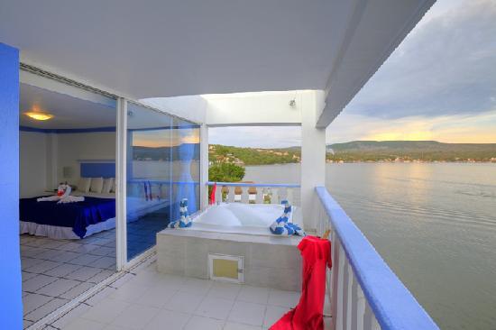 Hotel Villa Bejar and Spa Tequesquitengo: terraza