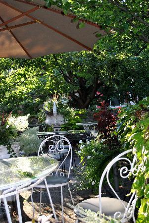 Hotel Belvedere: The Belvedere Patio