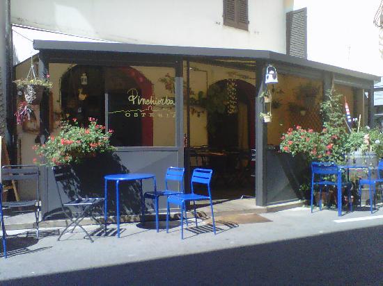 Osteria Pinchiorba: fachada del Pinchiorba y terracita
