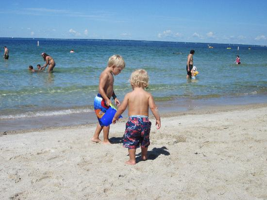 Sea Crest Beach Hotel: Our kids enjoying the beach