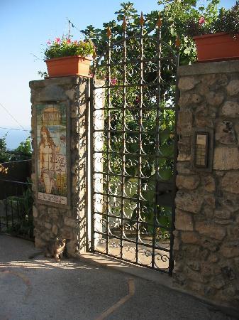 Residence Villa Degli Dei: L'ingresso
