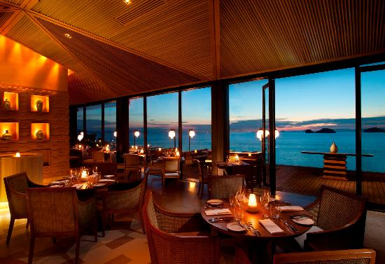 Conrad Koh Samui: Zest Restaraunt at Sunset