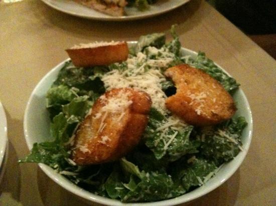 Caffe Lola : salad