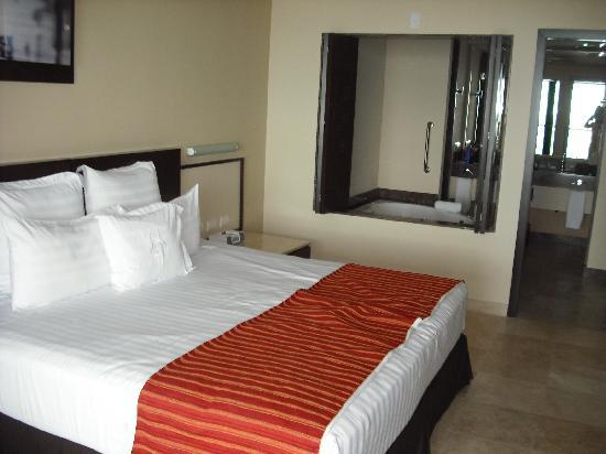 Sunset Plaza Beach Resort & Spa : The Bedroom