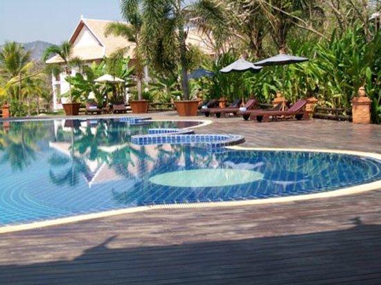 Santi Resort & Spa : Pool View